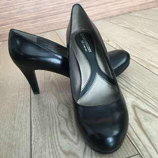 Brand New Naturalizer Lennox Genuine Leather Pump Heels Shoe 8.5