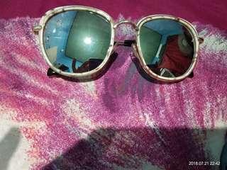 Kacamata fashion miniso