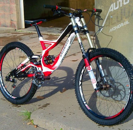 87054384a96 DH Bike: Specialized DEMO 8 ll 2013, Bicycles & PMDs, Bicycles, Mountain  Bikes on Carousell
