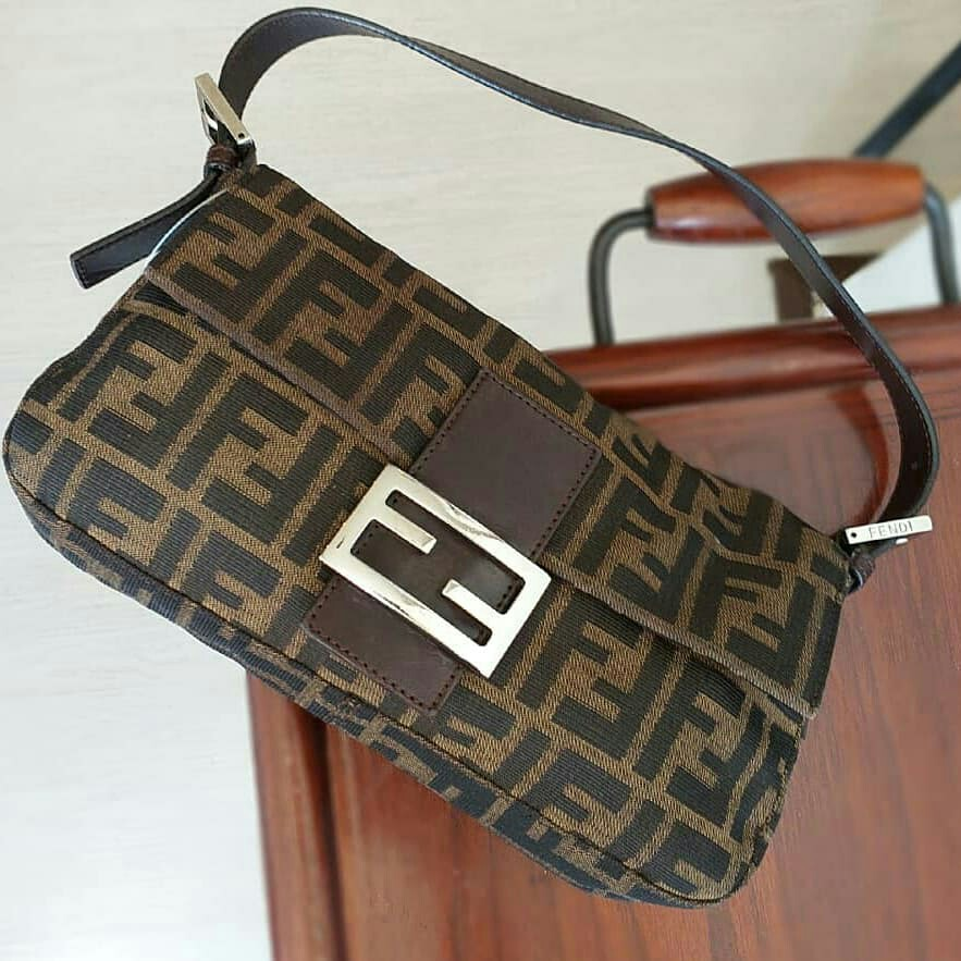 Fendi Baguette, Women s Fashion, Bags   Wallets on Carousell a95546a373