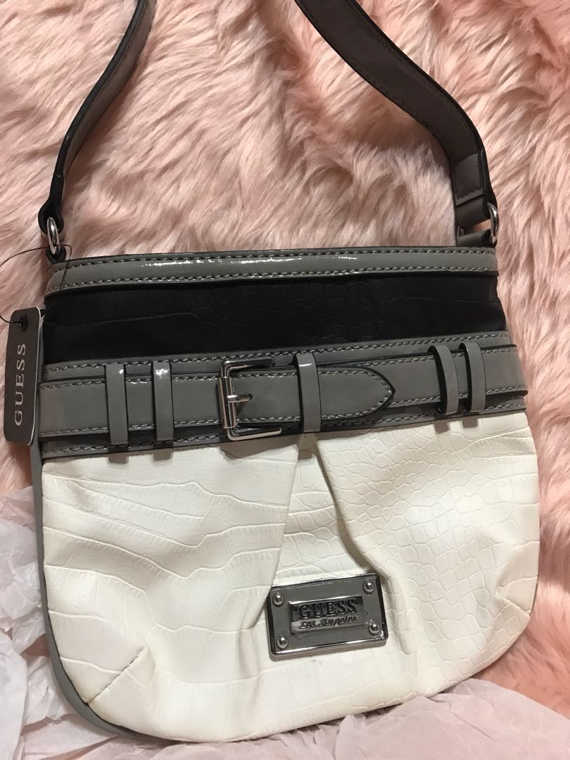 GUESS sling bag d37c4229263ad
