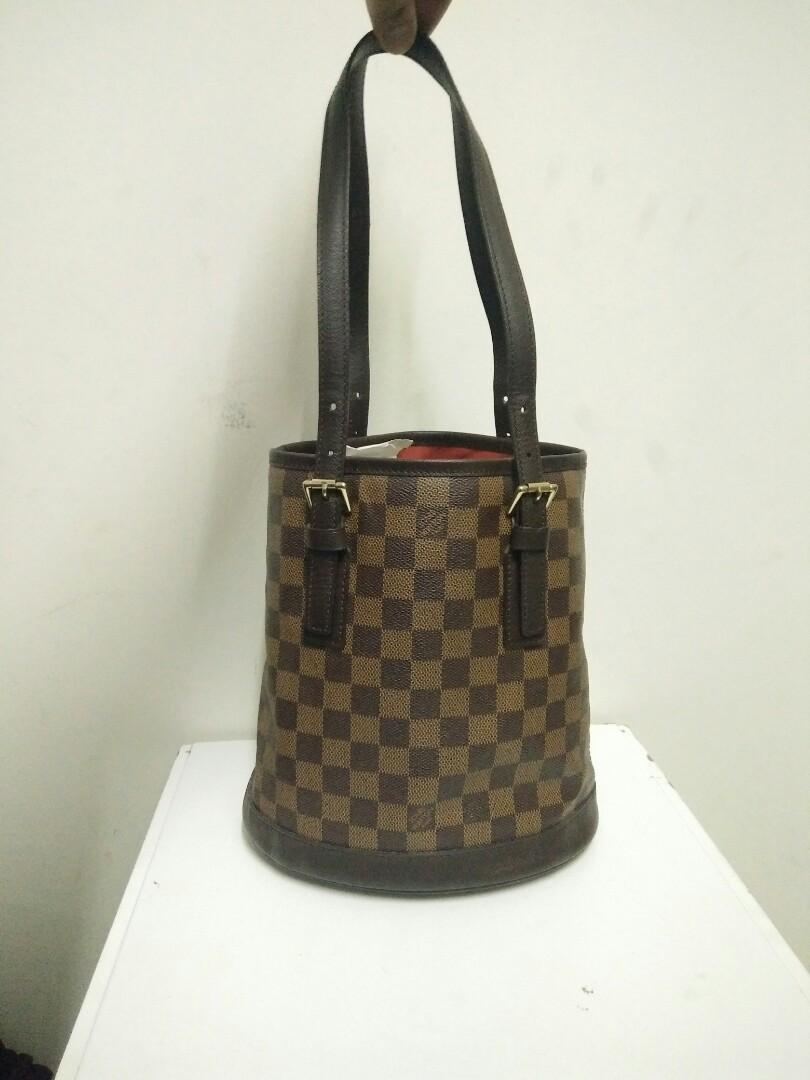 0cdc11818a44 Authentic LOUIS VUITTON Damier Ebene Marais Bucket Bag