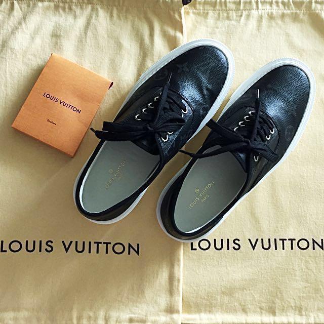ef54560cd89 Louis Vuitton shoe LV size 5, Men's Fashion, Footwear, Sneakers on ...