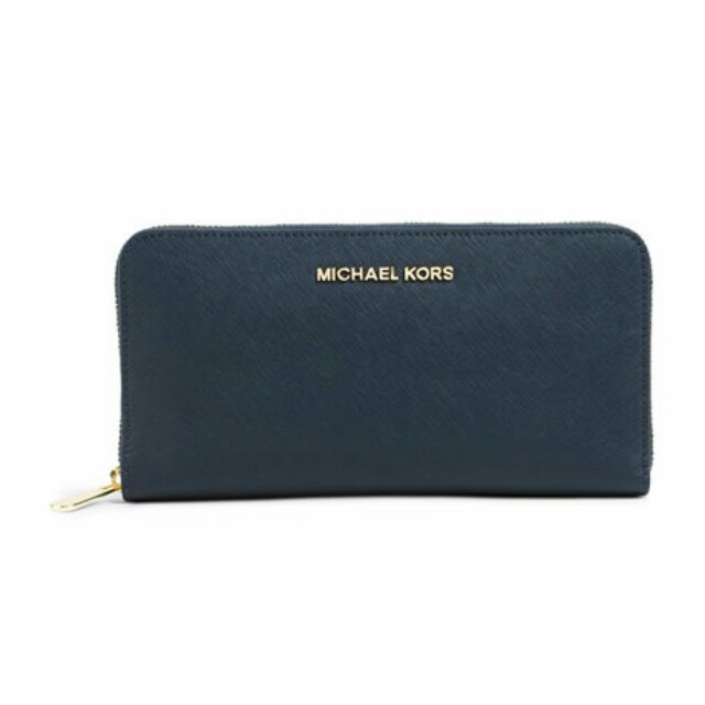 aedfb2338692 Michael Kors Jet Set Travel CONTINENTAL Navy wallet