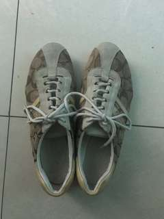Pre-loved original Coach sneakers for women (size 6)