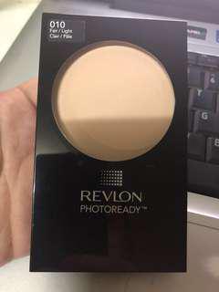Revlon Photoready powder in 010 fair/light