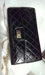 黑色漆皮手袋銀包
