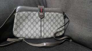 🚚 時尚二手屋絕版咖啡色Gucci vintage 斜背包