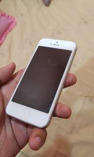 iPhone 5 16Gb (Need to change battery)