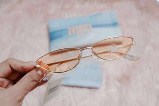 cat eye Sunnies Studios Lennox (color: Almond)