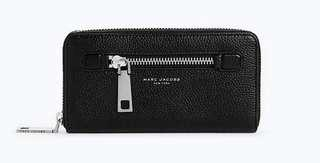 Like New! MARC JACOBS Gotham Continental wallet (retail USD $210 + taxes)