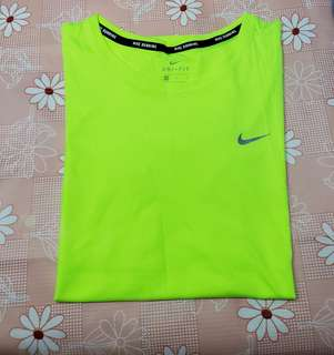 (Size:M)正版Nike女裝運動透氣T-Shirt(專門店購買/只穿過一次99%新)Made in Thailand~2