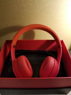 beats solo 3 wireless product red *FAKE*