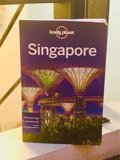 Singapore by Lonely Planet