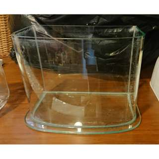 玻璃缸長24cmx寬13cmx高18cm