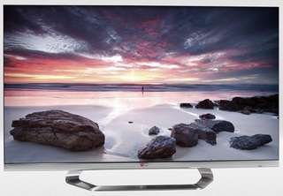 LG 42 LM 7600 Cinema 3D smart tv with Webos