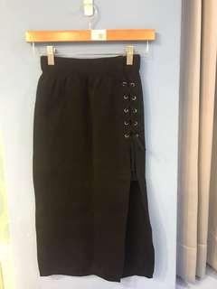 🚚 黑色側邊開叉裙