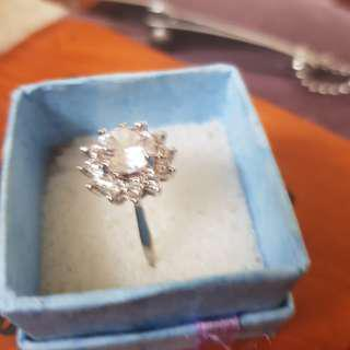 flower cz zironia ring size 9 (in stock now)