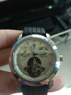 Loyse 機械錶