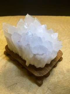 Natural White crystal cluster come with wooden base(天然白水晶柱子带底座)