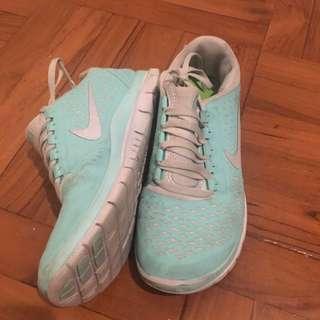 Niki Sport Shoes