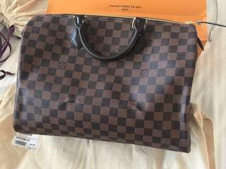 Genuine Louis Vuitton Speedy 35 - comes with dust bag and carry bag. Never used, bought in September 2017.
