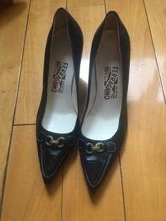 🚚 Ferragamo shoes 6.5b =6c made in Italy