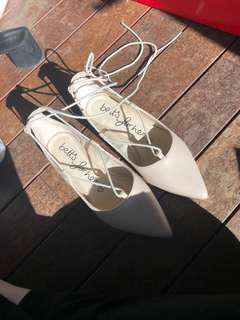 Nude point flats