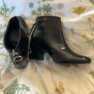 Cotton on heels