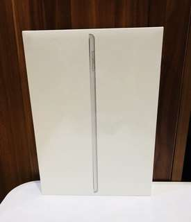 Ipad 6th generation 2018 silver 32gb