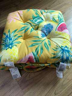 H&M seat cushion