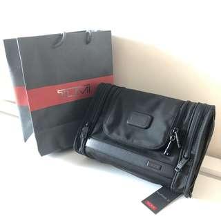 Tumi Alpha2 Hanging Travel Kit