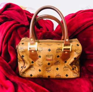 MCM Handbag/Purse (Used - Red)