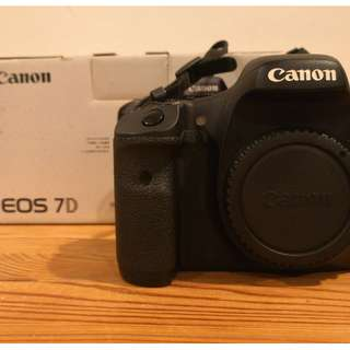 SELLING CANON 7D [BODY ONLY] SC < 27K, COMES WITH BOX + ACCESSORIES