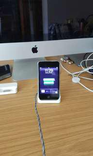 Ipod touch 3rd generation (32gb)  with earpods