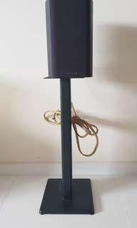 Bookshelf Speakers Stand