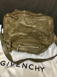 Givenchy Pandora Bag M size ,保證真品