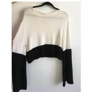 White and black cropped knit jumper