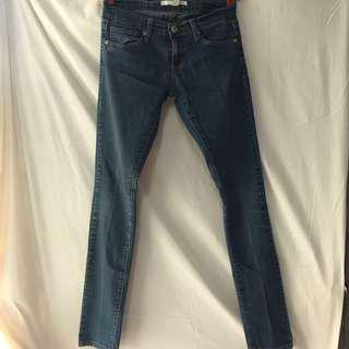 Skinny jeans / pants