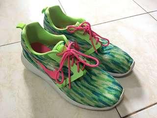 Nike Roshe Run rubbershoes