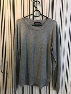 101 New York light sweater size L (unisex)