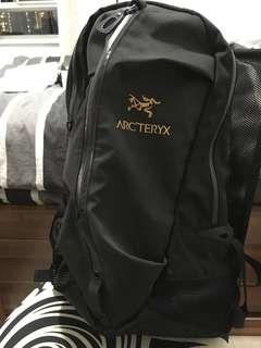 不死鳥Arcteryx Arro 22