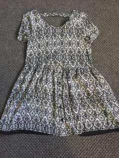 Alice in the Eve Monochrome Patterned Skater-style Dress - size 8