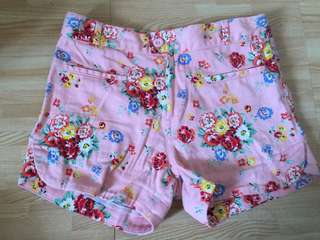 Peppermint floral shorts