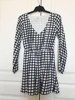 Abercrombie and Fitch long sleeve mini dress size S