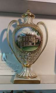The Royal Wedding Vase ( Prince Charles married with Diana Spencer on 29th July 1981)
