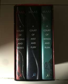 A Court of Thorns and Roses boxed set