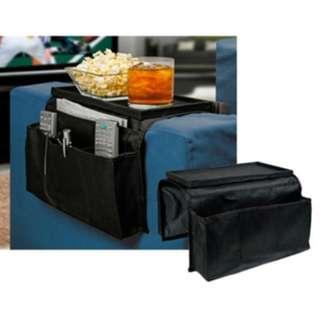 [梳化邊設計式收納袋] 放在梳化邊,方便存放和拿取物品,收納各種遙控器、常用雜物、眼鏡、電話等等物品,可以更好的利用空間