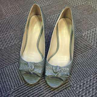 Andre Valentino Leather Heels Size 5