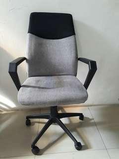 Kursi kantor / kursi kerja - informa